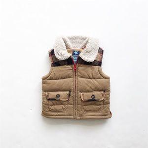 Old navy tan/plaid sherpa collar vest EUC 12-18m